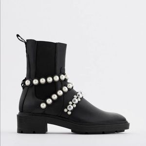 NWT Zara Combat Leather Chunky Chelsea Pearl Black Boots